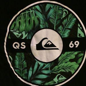 Quicksilver black graphic T-shirt Sz M